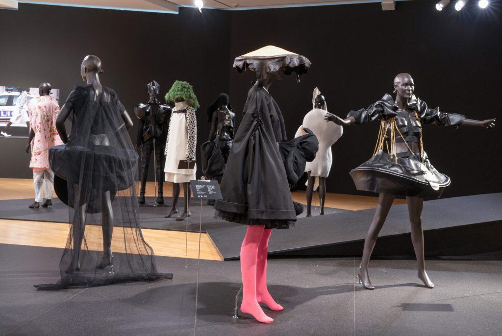 Designermode auf Schaufensterpuppen in Frankfurt